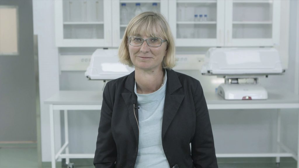 Lotta Ljungqvist CEO Testa Center in lab